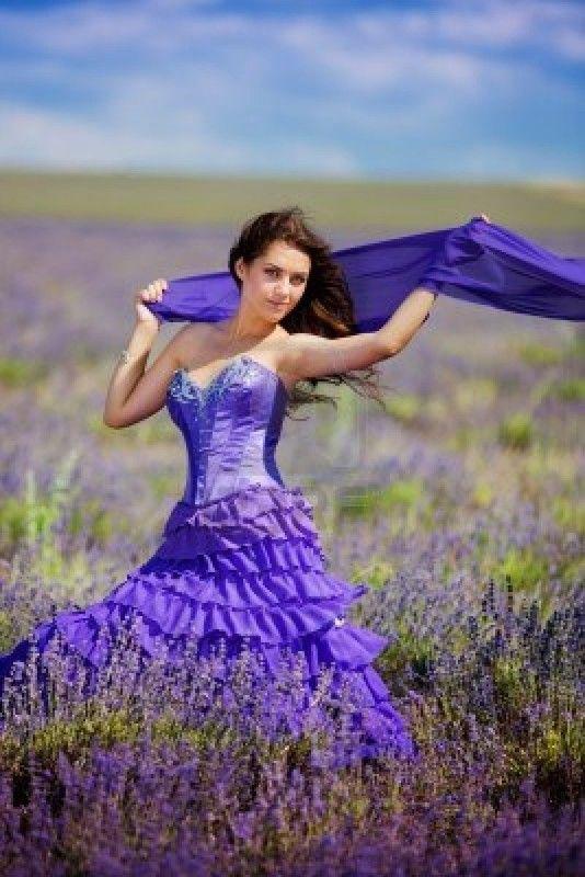 Une belle femme§Romantic. Lavande - Belle image. Biz &